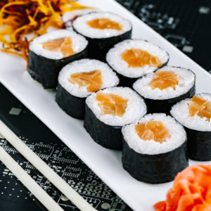 makis-saumon-restaurant-japonais-saint-brieuc-commander-sur-place-a-emporter