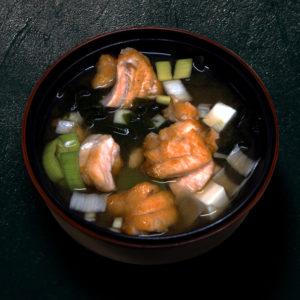 entree-soupe-miso-saumon-restaurant-japonais-saint-brieuc-commander-sur-place-a-emporter