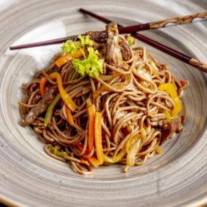 nouilles-boeuf-accompagnement-asiatique-restaurant-japonais-saint-brieuc-commander-sur-place-a-emporter