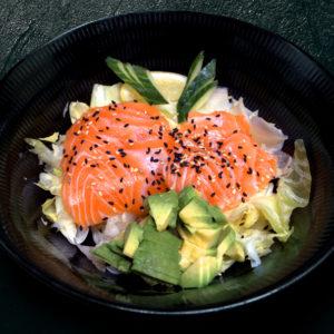 accompagnement-salade-avocat-saumon-restaurant-japonais-saint-brieuc-commander-sur-place-a-emporter